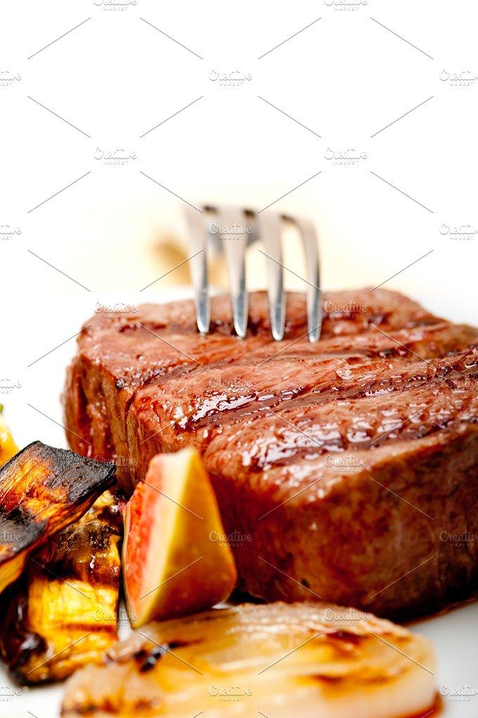 grilled beef filet mignon 019.jpg - Food & Drink