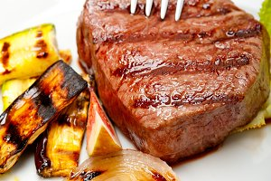 grilled beef filet mignon 021.jpg