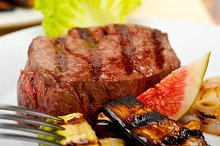 grilled beef filet mignon 024.jpg