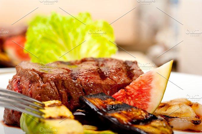 grilled beef filet mignon 023.jpg - Food & Drink