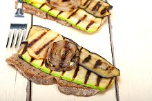 grilled vegetables on rustic bread 003.jpg