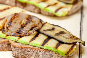 grilled vegetables on rustic bread 007.jpg