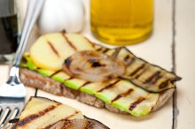 grilled vegetables on rustic bread 008.jpg