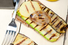 grilled vegetables on rustic bread 010.jpg