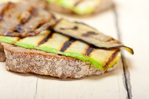 grilled vegetables on rustic bread 011.jpg