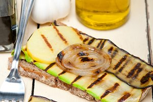 grilled vegetables on rustic bread 016.jpg