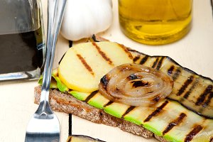 grilled vegetables on rustic bread 017.jpg