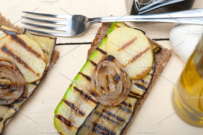 grilled vegetables on rustic bread 022.jpg - Food & Drink