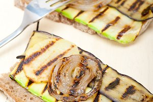 grilled vegetables on rustic bread 023.jpg