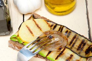 grilled vegetables on rustic bread 024.jpg