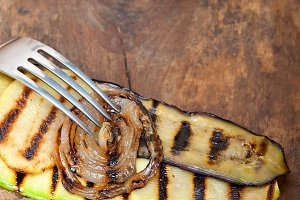 grilled vegetables on rustic bread 031.jpg