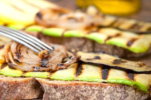 grilled vegetables on rustic bread 035.jpg
