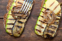 grilled vegetables on rustic bread 037.jpg