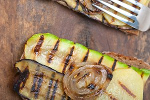 grilled vegetables on rustic bread 039.jpg