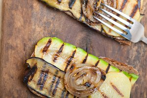 grilled vegetables on rustic bread 038.jpg
