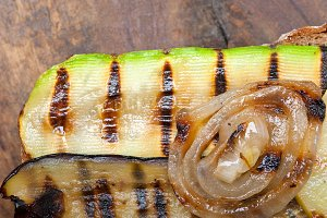 grilled vegetables on rustic bread 040.jpg