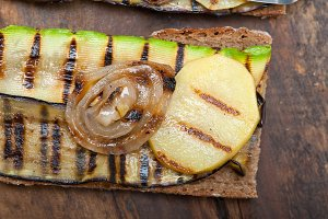grilled vegetables on rustic bread 042.jpg