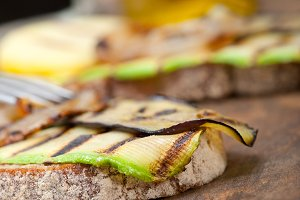 grilled vegetables on rustic bread 046.jpg