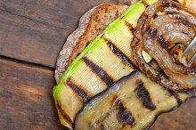 grilled vegetables on rustic bread 050.jpg