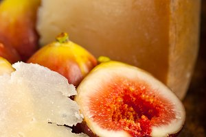 pecorino and figs 035.jpg
