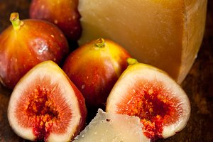 pecorino and figs 032.jpg