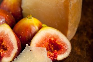 pecorino and figs 031.jpg