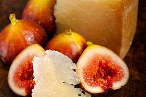 pecorino and figs 036.jpg