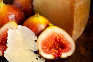pecorino and figs 037.jpg
