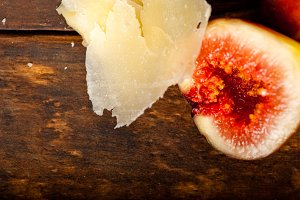 pecorino and figs 033.jpg