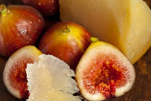 pecorino and figs 044.jpg