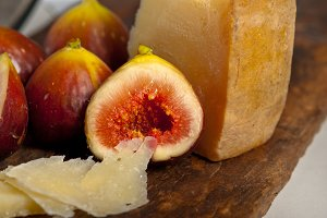pecorino and figs 046.jpg