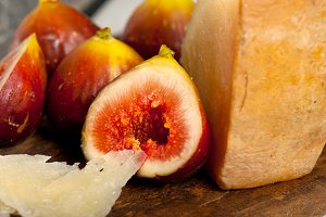 pecorino and figs 047.jpg
