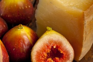 pecorino and figs 048.jpg