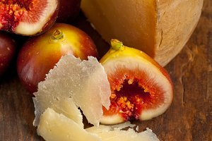 pecorino and figs 052.jpg