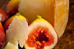 pecorino and figs 049.jpg