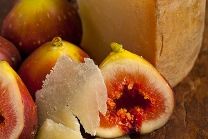 pecorino and figs 051.jpg
