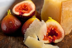pecorino and figs 053.jpg