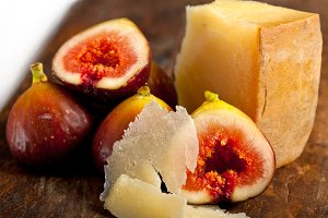 pecorino and figs 054.jpg