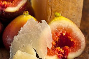 pecorino and figs 055.jpg
