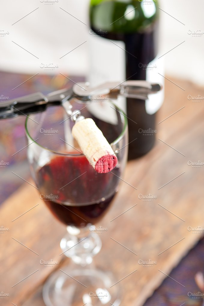 red wine corking 006.jpg - Food & Drink