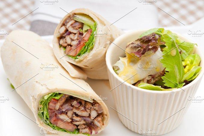 shawarma chichen arab pita wrap sandwich 02.jpg - Food & Drink