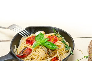 spaghetti pasta with baked tomatoes 005.jpg