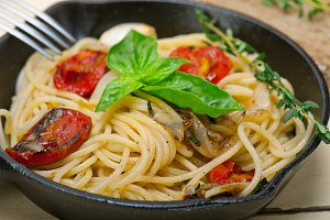 spaghetti pasta with baked tomatoes 007.jpg