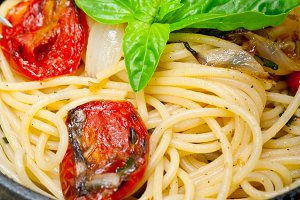 spaghetti pasta with baked tomatoes  016.jpg