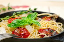 spaghetti pasta with baked tomatoes 018.jpg
