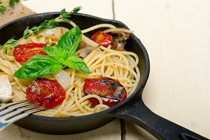 spaghetti pasta with baked tomatoes 022.jpg