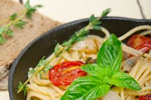 spaghetti pasta with baked tomatoes 024.jpg