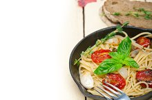 spaghetti pasta with baked tomatoes 026.jpg