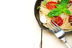 spaghetti pasta with baked tomatoes 027.jpg