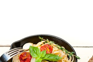 spaghetti pasta with baked tomatoes 028.jpg